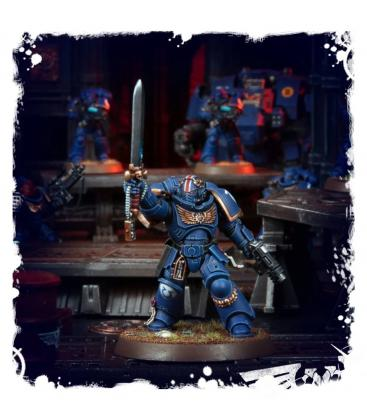 Warhammer 40,000: Space Marines (Primaris Lieutenant with Power Sword)